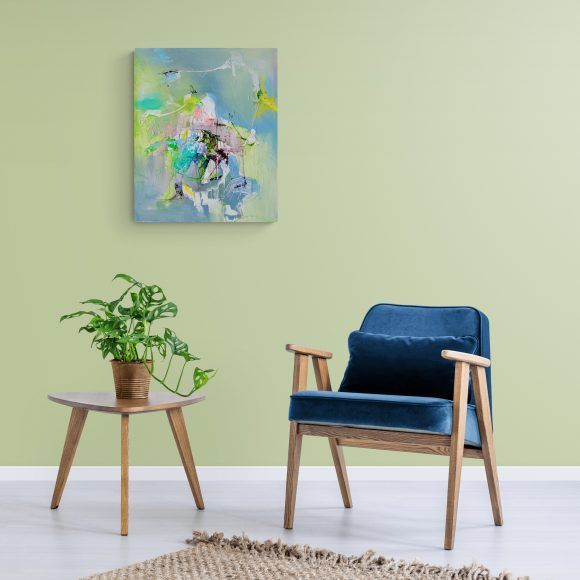 Abstract expressionist painting Mellow 18 (Las Meninas) in a setting with a trendy armchair